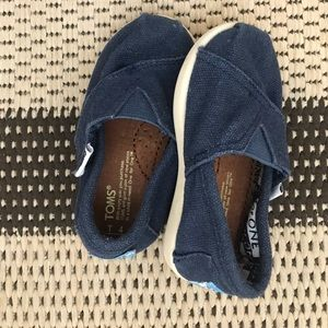 Infant Toms shoes